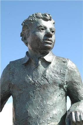 Statue of Dylan Thomas, Maritime Quarter, Swansea