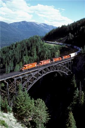 A Canadian Pacific Railway freight eastbound over the Stoney Creek Bridge.