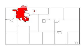 Location within Eau Claire County (pink-shaded portion is within Chippewa County).