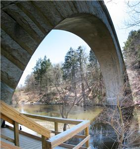 Echo Bridge