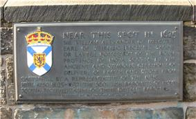 Photo of a bronze plaque
