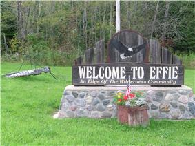 Giant mosquito (and welcome sign) welcomes travelers to Effie