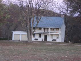 Eighteen Mile House