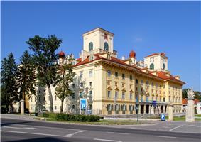 Eisenstadt - Schloss Esterhazy2.JPG