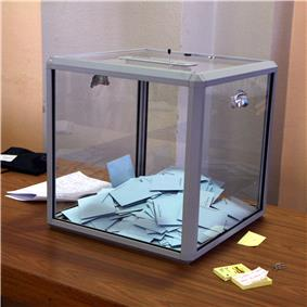 Voting box in the 2007 French presidential election