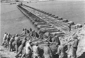 Engineers bridging the wide but placid Po.jpg