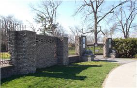 Buffalo Zoo Entrance Court