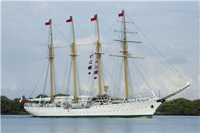 Esmeralda in Pearl Harbor, 2006
