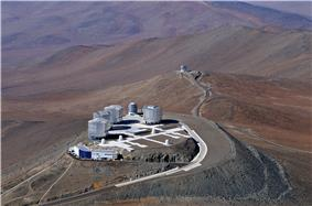 The four VLTs and ATs and the VST on the main peak and VISTA in the background