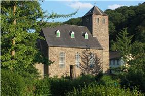 Evangelische Kirche Solingen-Unterburg.jpg