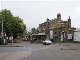 Photograph of the front of Farnham railway station
