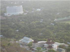 Foot-of-Mandalay-Hill.JPG