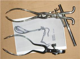 Tarnier forceps with tractor handle (1877) and USA Dewey model (1900)