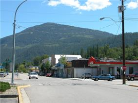 Main Street, Fruitvale