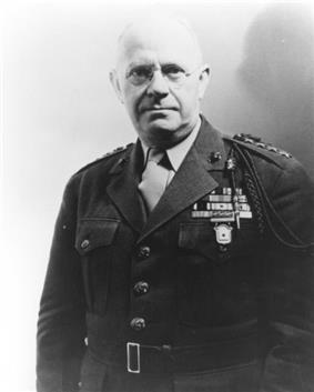 black & white photograph of Thomas Holcomb