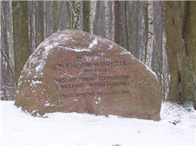 A stone commemorating Prof. Adam Wodziczko who advocated the idea of creating the Wielkopolski NP