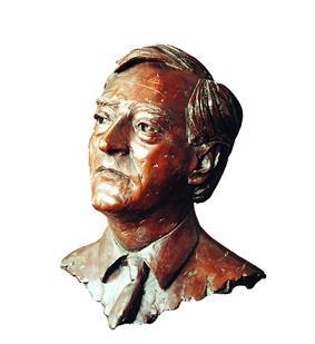 Godfrey James Macdonald, 8th Baron Macdonald bronze bust by sculptor Laurence Broderick