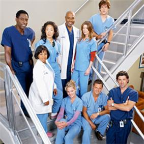 A photo displaying the original core cast members, of Grey‍‍ '​‍s Anatomy