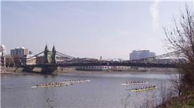 Crews racing under Hammersmith Bridge at HORR 2005