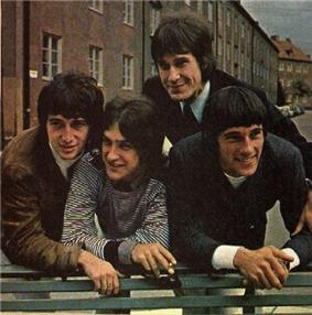left to right: Pete Quaife, Dave Davies, Ray Davies, Mick Avory.