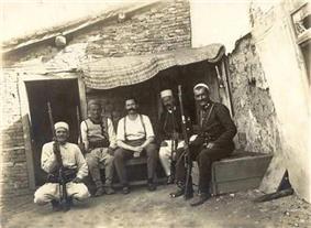 Hendrik Reimers, Dutch captain of the International Gendarmerie, captured by rebels (June 1914)