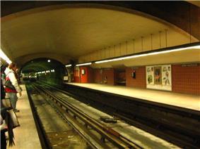 The interior of the Henri-Bourassa Station.