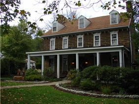 Hill's Tavern