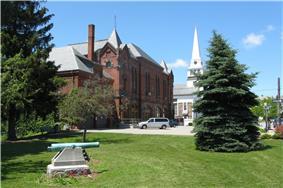 Holbrook Square Historic District