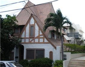 House at 3023 Kalakaua Avenue