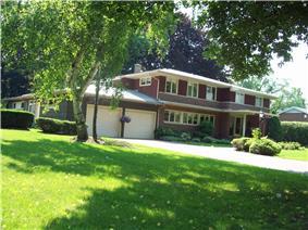 House at 8 Berkley Drive