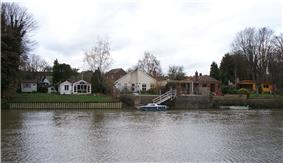 Housing on Eel Pie Island 4.jpg