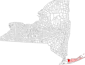 Location of Huntington in Suffolk County, New York