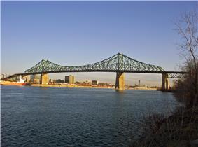 Jacques Cariter Bridge is a cantilevered bridge.