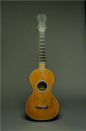 Grobert guitar from the Museum Cité de la Musique in Paris