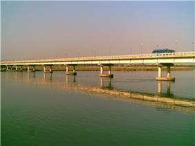 The River Jhelum and the bridge from Sarai Alamgir side