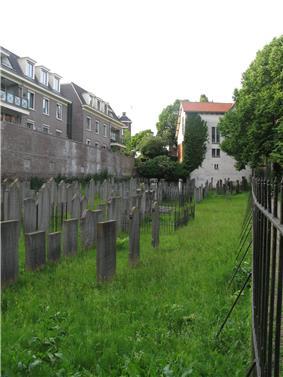 Joodse Begraafplaats Wageningen.jpg