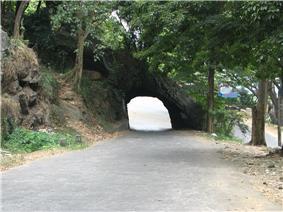 Rock piercing in Pahala Kadugannawa