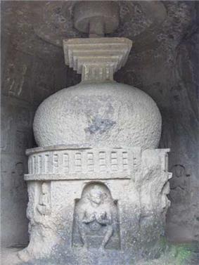 A white Buddhist stupa