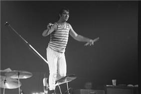 Keith Moon on stage at a gig in Toronto, 21 October 1976