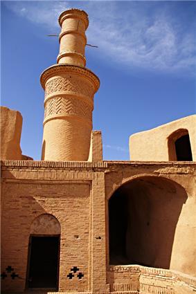 Kharanagh-minaret.jpg