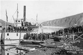 People leaving Dawson for Nome, Sep. 1899