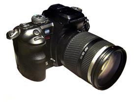 Konica Minolta Maxxum 7D with lens