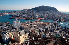 Skyline of Greater Busan Area </p>             <hr/> 동남 경제권