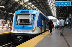 A Mitre line commuter train at Retiro station, Buenos Aires.