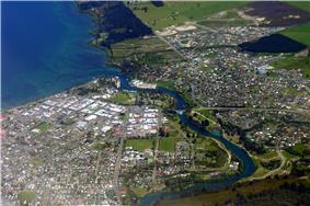 Skyline of Taupo