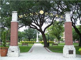 Munn Park Historic District