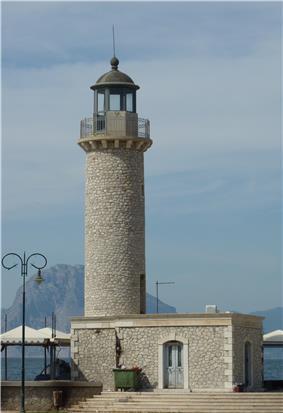 Leuchtturm Patras 2.jpg