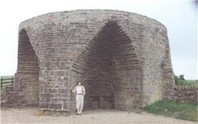 Large 19th-century single limekiln at Crindledykes near