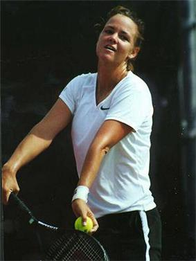 Lindsay Davenport won seven titles and end the year at No. 1 in the singles ranking.