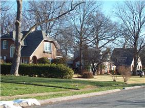 A street in Historic Linthicum Heights